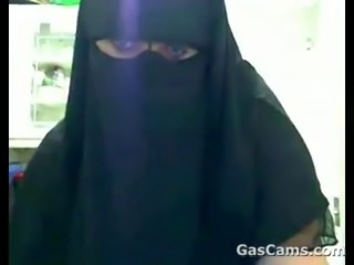 Hijab Chick With Large Tits