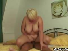 He finds in-law naked and fucks her