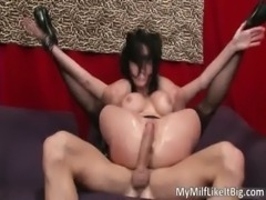 Extreme busty MILF Veronica Avluv takes free