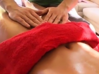 Steamy hot massage for kitty