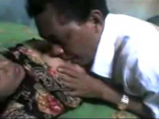 indonesia-  om yang sudah gak tahan lagi