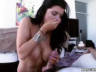 With bubbly butt wants this cumshot sex action to last forever