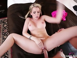Oriental Courtney Cummz gets impaled on love wand by Jerry