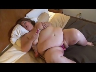 SSBBW pumping pussy