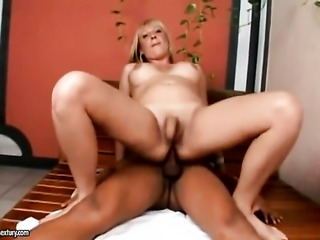 Blonde seductress Duda Dihl going solo on camera in steamy anal action