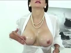 Mature british fetish skank milks cock