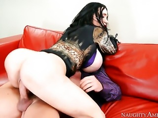 Johnny Castle plays hide the salamy with Amy Anderssen with phat butt and smooth beaver