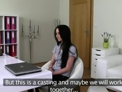 Fake agent shooting sex with amateur on casting