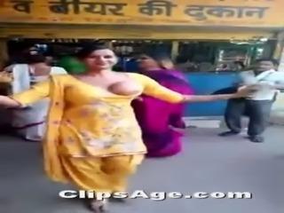 diwali boob dance free