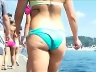 Spying On A College Girls Booty