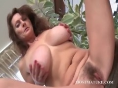 Mommy loves to touch her hairy twat free