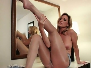 Pantyhose get mom\'s pussy hot and throbbing