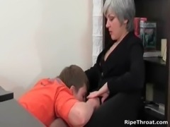 Slutty MILF gives blowjob to horny young free