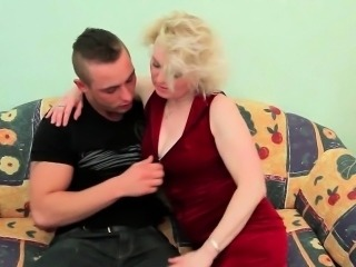 Give mom her well deserved cumshot