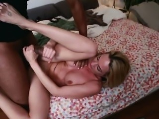 Sindy Having A Good Sucking Humongus Cock Skills