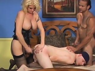 Fivesome bi-sexual xxx action