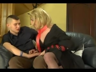 Dirty chap tryes sex with a crossdresser