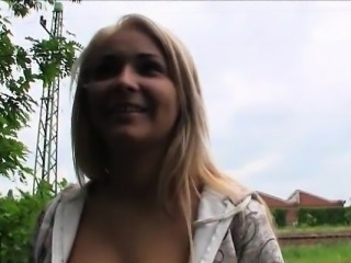 Big tits amateur Eurobabe Lana nailed in the park for money