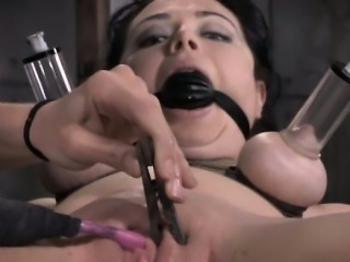 TT sub getting her pussy clamped