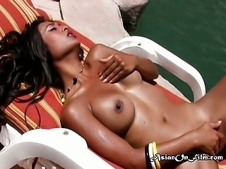 Pool guest gives Kina oral sex at the pool