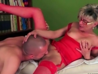 Lusty granny gets her wet pussy fucked