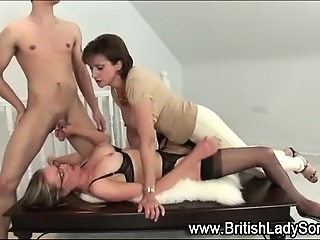 Lady Sonia toys milf while she gets fucked
