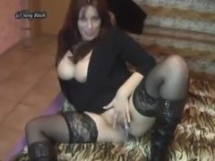 SexyBitch - Jungschwanz will ficken free