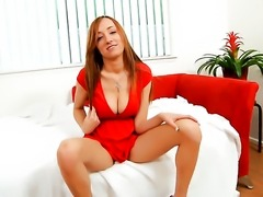 Victoria Rae is on the way to orgasm with sex toy in her slit