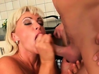Mom\'s seductive ways