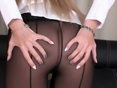 Pissdrenched blonde hottie in seethru nylons