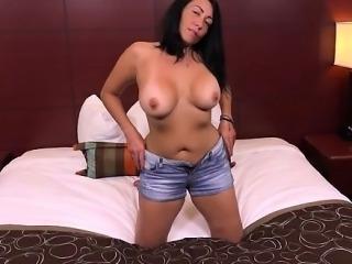 Wet pussy gefesselt und gefickt