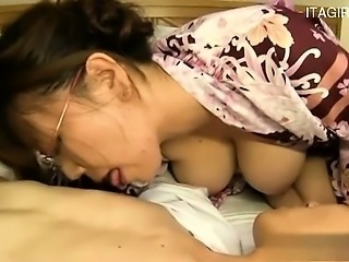 Porca italiana deepthroat cumshot