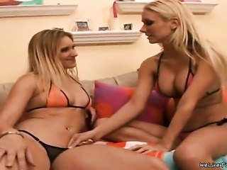 Blonde bombshell Molly Cavalli has some time to rub her muff