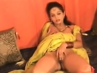 Indian Girl Flashing Her Pretty Privates