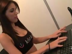 LECHE 69 Sexy Carol Vega in erotic show