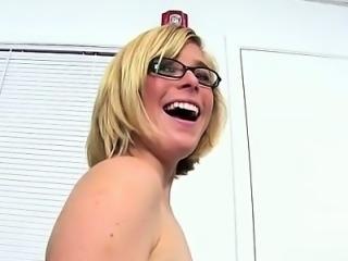 Pornstar extreme gagging