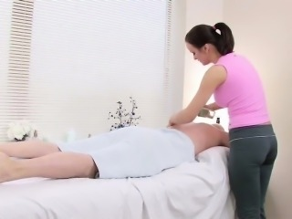 Masseuse persuaded German customers to fuck her in the parlo