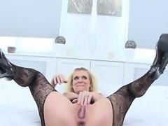 Horny wife cocksuck