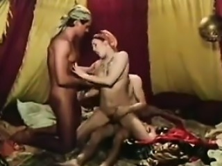 Middle Eastern 3some With An Arab Slut