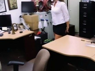 Big butt amateur brunette babe pounded in the pawnshop