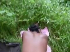 baise avec une ebene dans les champs