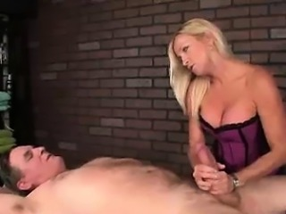 She Hates Massaging Perverted Guys Like These