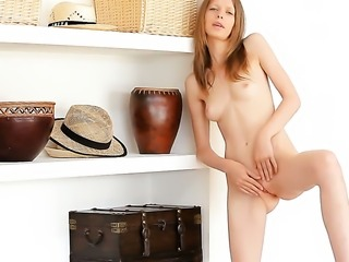 Gloria strips down to her bare skin for your viewing enjoyment