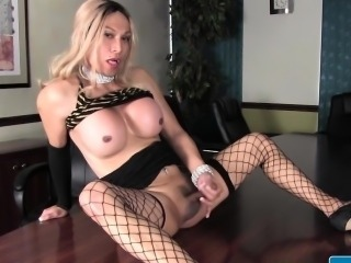 Oriental tranny tugging in the bosses office
