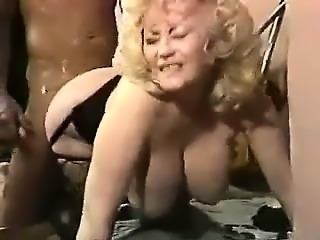 Beauty Mother from Milfsexdating.net