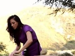 Babe gets outdoor massage
