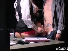 MonicaMilf knuller til trygd - Norsk Porno Parodi