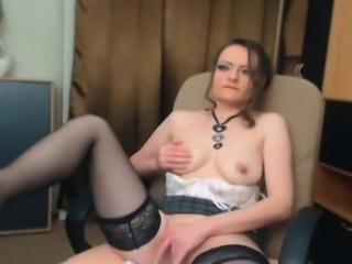 Gorgeous Camgirl Babe Plays Her Tight Pussy
