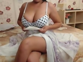 Desi Mom Goes Horny Shows her Boobs To Friend