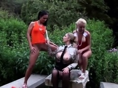 Pissing lesbos toy pussy